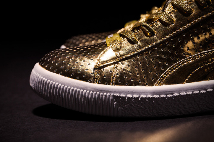 "Photo02 - UNDFTD x PUMA Clyde ""Gametime"" 24k Metallic Gold"
