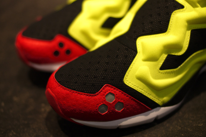 "Photo04 - Reebok PUMP FURY HLS ""LIMITED EDITION"""
