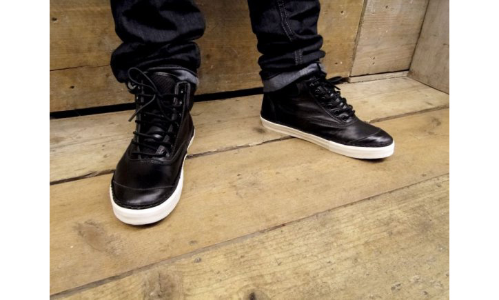 Photo03 - Vans Vault Switchback LX Snake Pack
