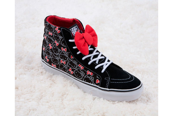 Photo02 - Vans x Hello Kitty 2012 Collection