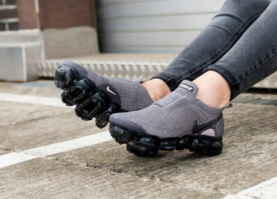 nike-wmns-air-vapormax-flyknit-moc-2-gunsmoke-blackened-blue---thunder-grey-aj6599-003-os-2