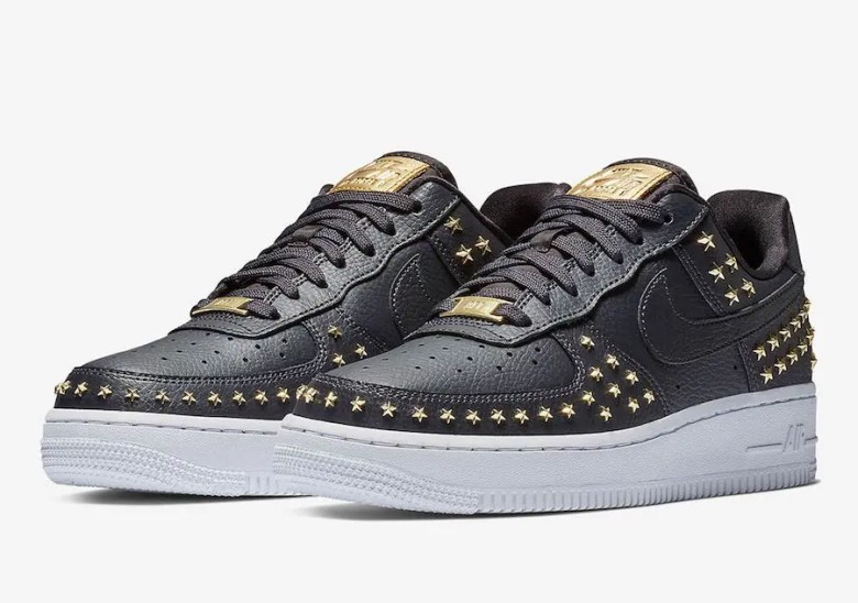 NIke-Air-Force-1-Low-Stars-Black-Gold-AR0639-001