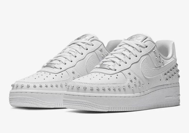 Nike-Air-Force-1-Low-Stars-White-Sivler-AR0639-100