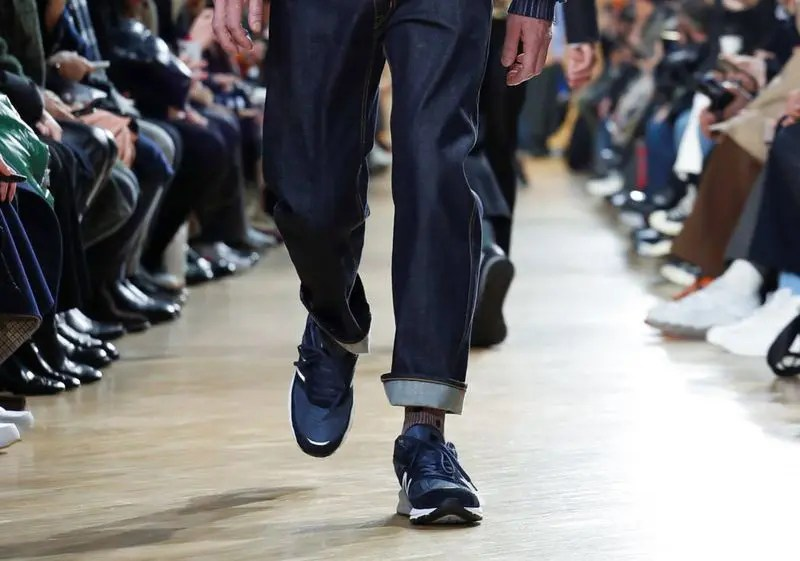comme-des-garcons-cdg-new-balance-990-paris-fashion-week-2019