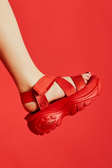 Opening-ceremony-buffalo-london-chunky-sandals-red-black-2