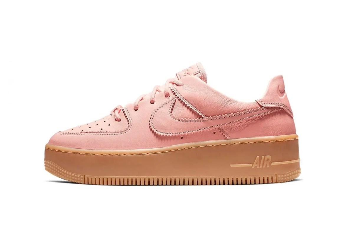 nike-air-force-1-sage-washed-coral-pale-ivory-gum-light-brown-1