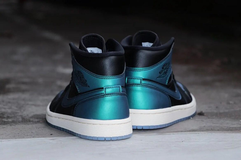 Nike-Air-Jordan-1-Mid-BQ6472-009-09