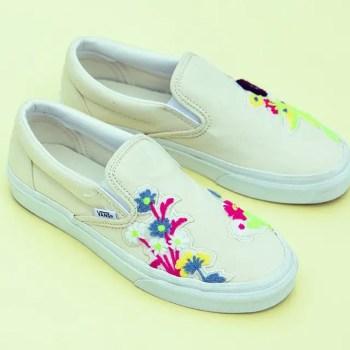 https—hypebeast.com-image-2019-10-billys-tokyo-vans-slip-on-floral-chenille-01