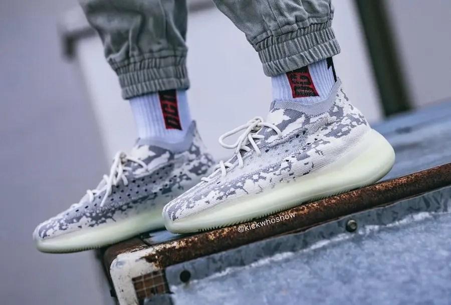 "adidas YEEZY BOOST 380 ""Alien"" (アディダス イージー ブースト 380 ""エイリアン"")"