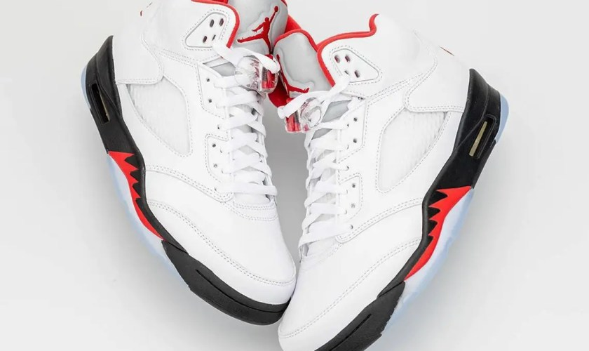 Air-Jordan-5-Fire-Red-2020-DA1911-102-08