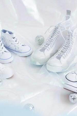 converse-disney-frozen-2-chuck-70-womens-kids-sneakers-white-pink-purple-release-01
