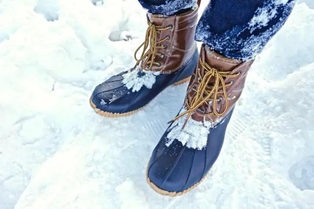 ワークマン防寒ブーツ ラークス : 雪の中 (workman_winter_boots_larks_in_the snow)