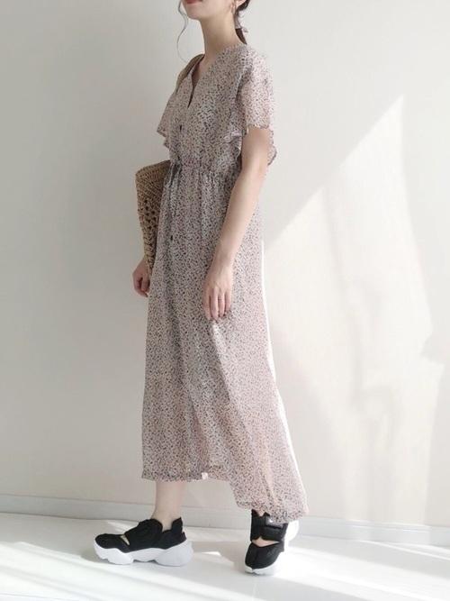 黒 スニーカー コーデ レディース 夏 おすすめ ワンピース Black Sneaker Outfit Women Summer Wear harupi1230 dress