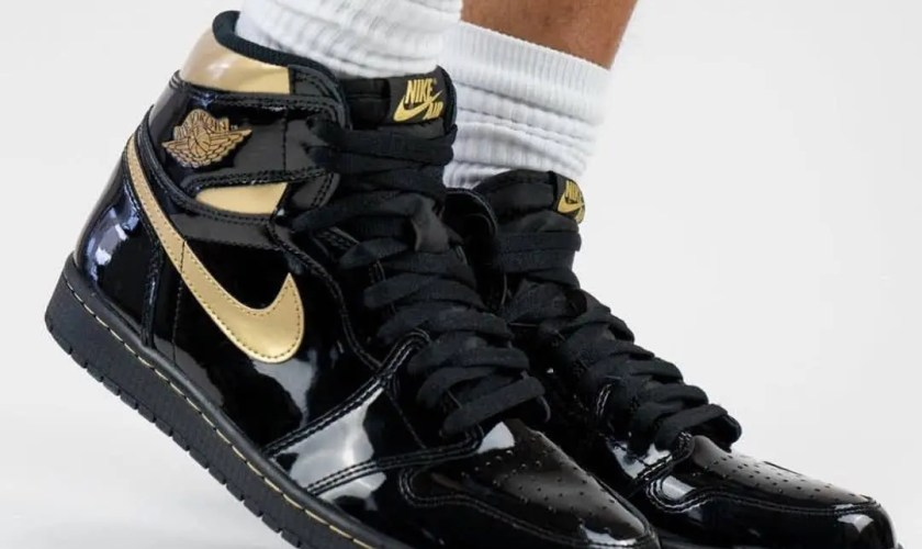 nike-Air-Jordan-1-Black-Gold-555088-032-Release-Date-On-Feet-4