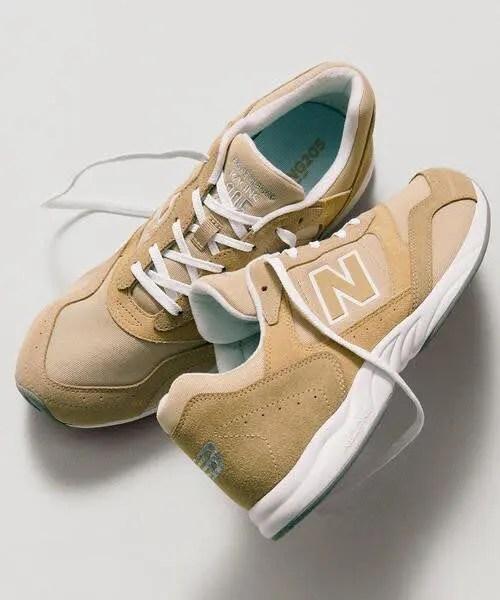 ベージュ系|New Balanceのスニーカーコーデ new-balance-ladies-sneakers-winter-styles-baige-sneaker