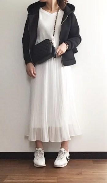 ホワイト系のチュールスカートやタイトスカートなどで代用OK_3
