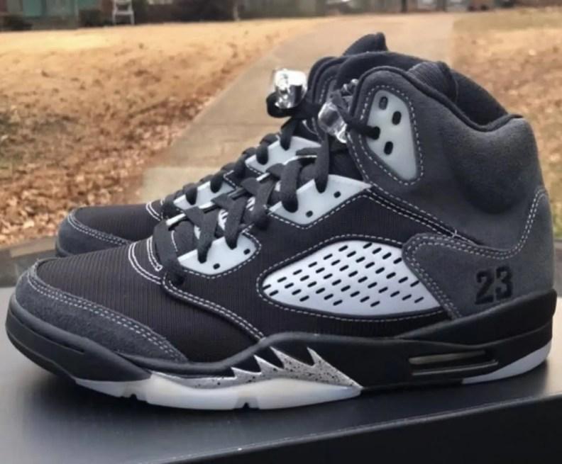 """ナイキ エア ジョーダン 5 """"アンスラサイト"""" Nike-Air-Jordan-5-Anthracite-DB0731-001-pair"""