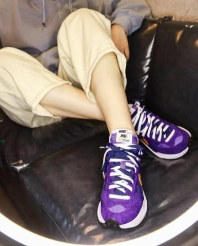 Sacai Nike VaporWaffle Dark Iris Campfire Orange サカイ ナイキ コラボ ヴェイパー ワッフル パープル オレンジ pair detail wearing