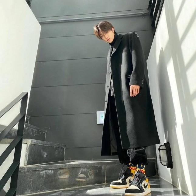 韓国 アイドル 着用 セブンティーン ミンハオ スニーカー ナイキ Kpop-idol-Korean-Artist-Sneakers-Nike-SEVENTEEN-THE-8