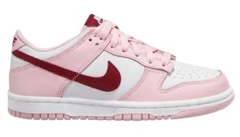 nike-dunk-low-strawberry-pink
