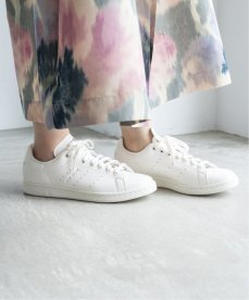 エディフィス/イエナ × アディダス オリジナルス スタンスミス EDIFICE-IENA-adidas-Originals-Stan-Smith-on-feet-4