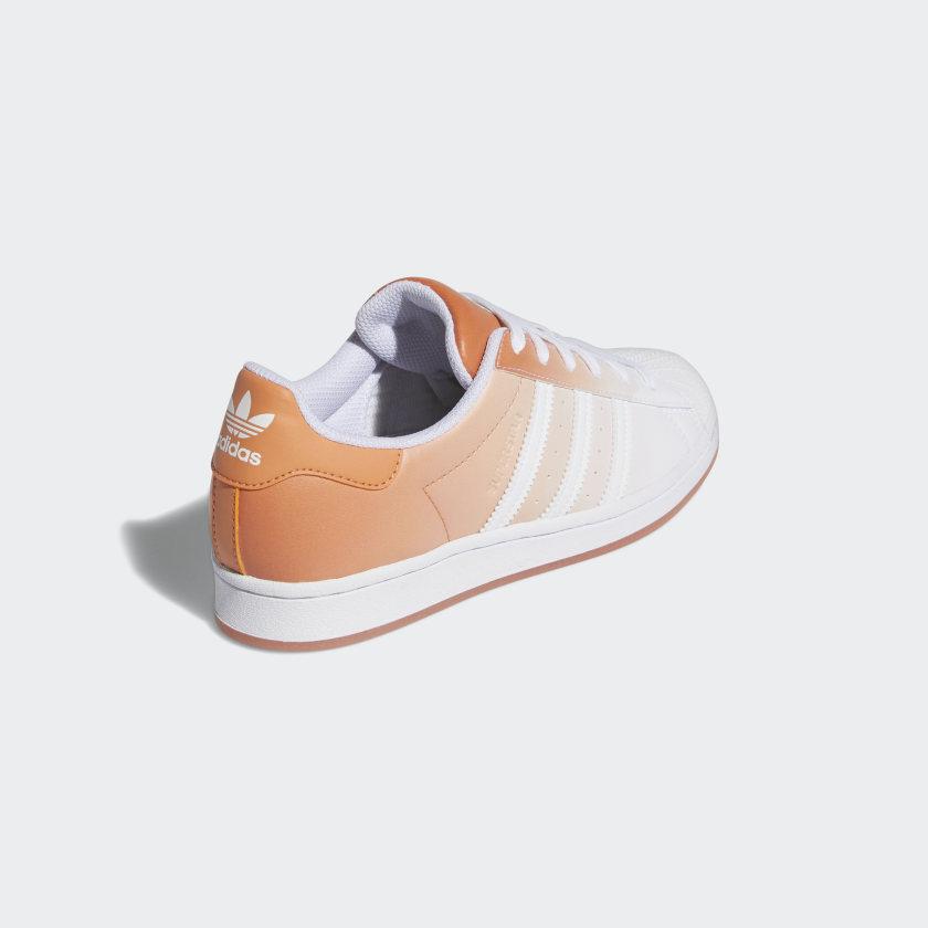 """アディダス ウィメンズ オリジナルス スーパースター """"ヘイジー コパー"""" adidas_Superstar_wmns_hazy-copper_GV7758-back"""