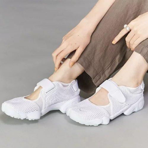 ナイキ エアリフト ホワイト サンダル スニーカー Nike Air Rift White