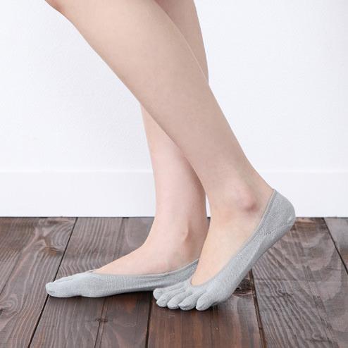 【靴下屋】消臭・速乾5本指カバーソックス nike-air-rift-socks-style-deodorant-5-fingers