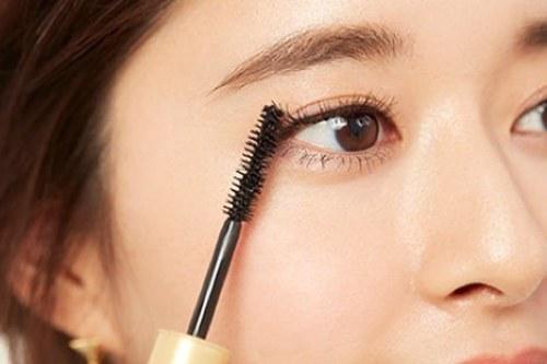 ポイント⑥ にじまないマスカラ選び mask-makeup-eyemake-masrcara