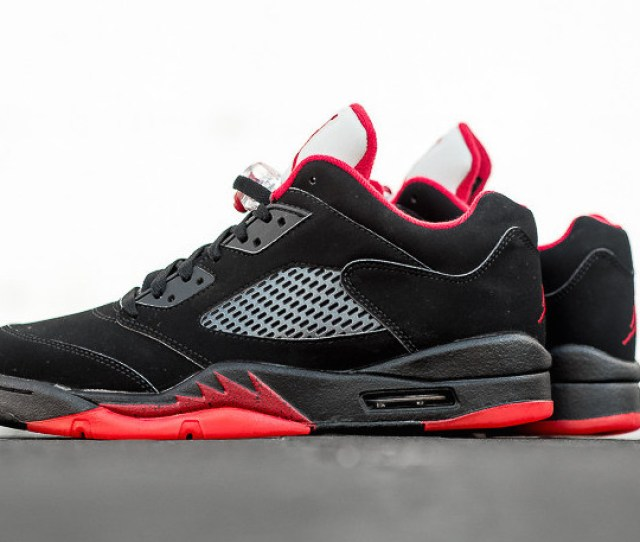 Alternate  Air Jordan  Low Black Red