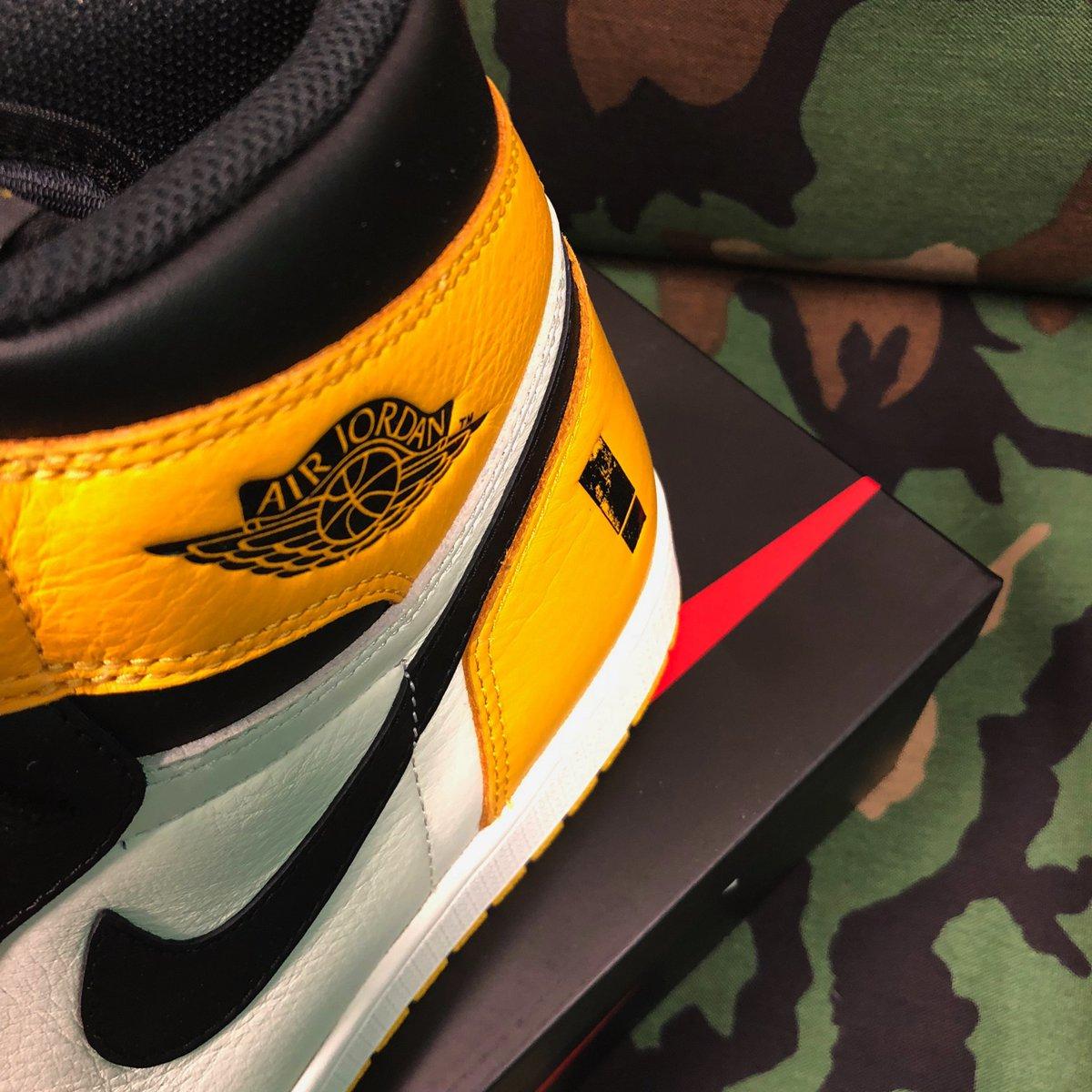 Shinedown Air Jordan 1 Attention Attention Sneaker Bar