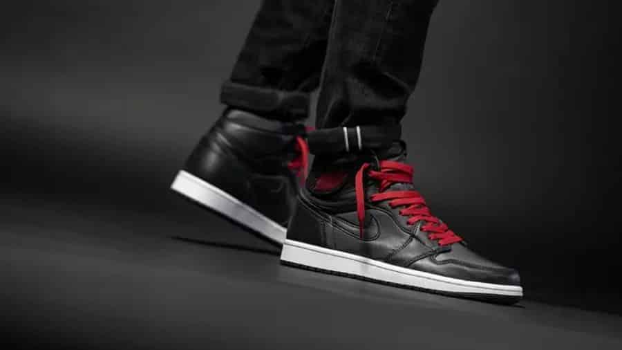 air-jordan-1-satin-black-gym-red