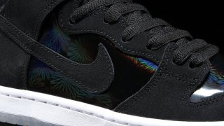 "Nike SB Dunk High Elite ""Black Iridescent"" 854851-001"