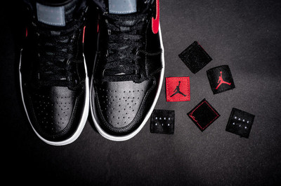Air-Jordan-1-Retro-High-Rare-Air-Gym-Red-1-1010x674.jpg