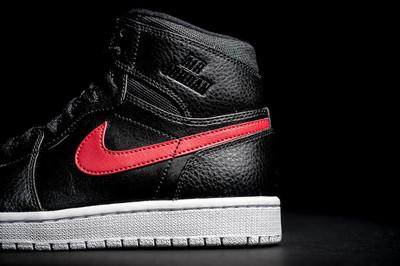 Air-Jordan-1-Retro-High-Rare-Air-Gym-Red-3-1010x674.jpg