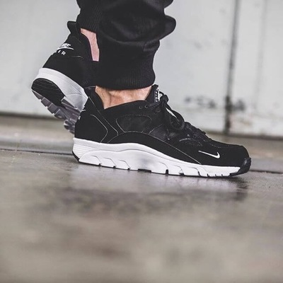 Nike-Air-Trainer-Huarache-Low-Black-00.jpg