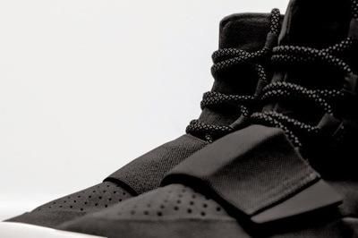 adidas-Yeezy-Black-930x619.jpg