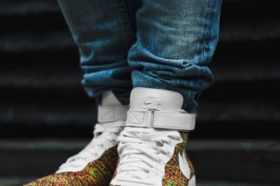 closer-look-at-air-force-1-ultra-flyknit-mid-02.jpg
