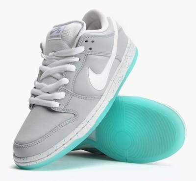 marty-mcfly-nike-dunk-sneakers-02.jpg
