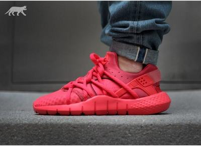 nike-air-huarache-nm-red-2.jpg