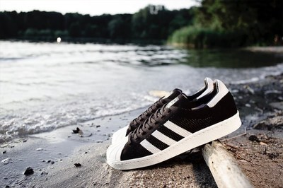 superstar-80s-primeknit-1200-800-03.jpg