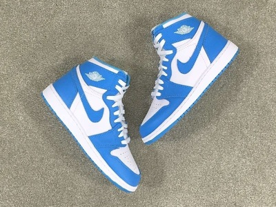 unc-air-jordan-1-retro-high-og-4.jpg