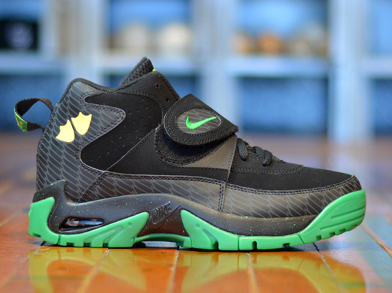 Nike Air Mission Oregon - 10 Best Oregon Ducks Sneakers of All Time