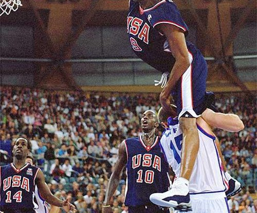 Vince Carter in Nike Show BB4 dunking over was 7'2″ Frenchman Frederic Weis