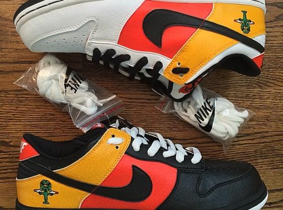 "Nike SB Dunk Low ""Rayguns"" Pack"