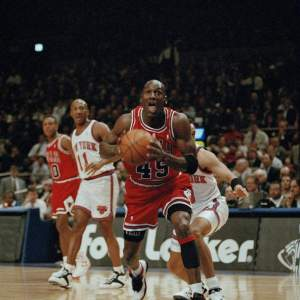 Michael Jordan and the Chicago Bulls vs the New York Knicks at Madison Square Garden 03/28/1995 - Photo cred via AP Photo/Kevin Larkin