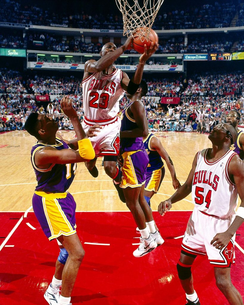 """Michael Jordan in Air Jordan 6 """"Black Infrared"""""""