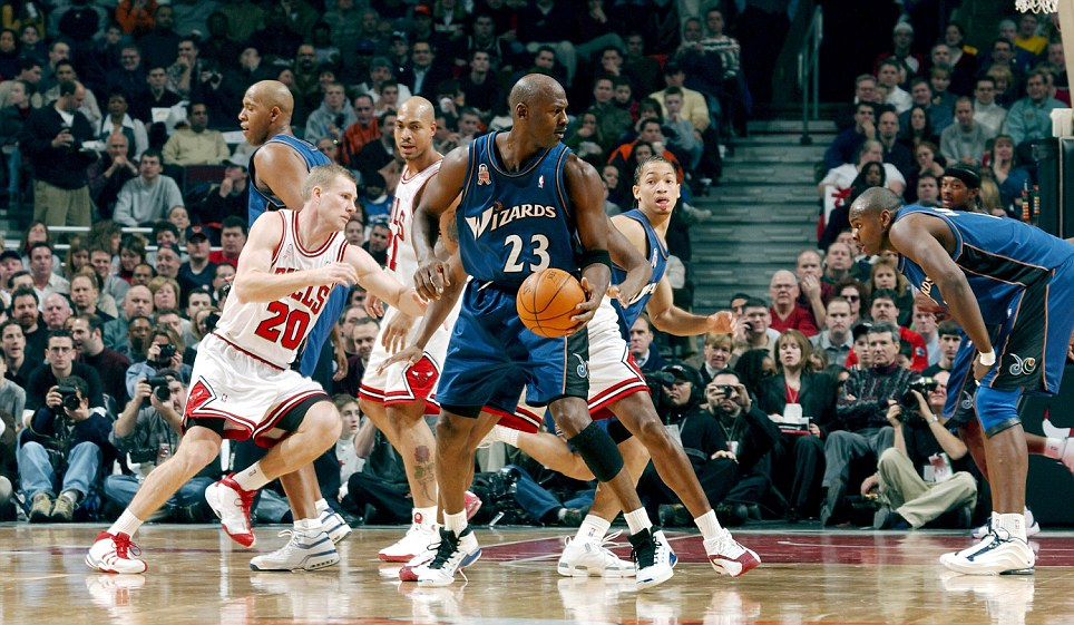 Michael Jordan in Air Jordan XVII