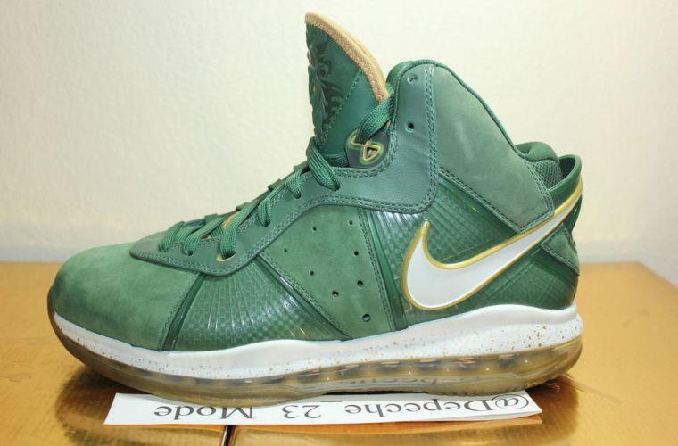 "Nike LeBron 8 ""SVSM"" PE"