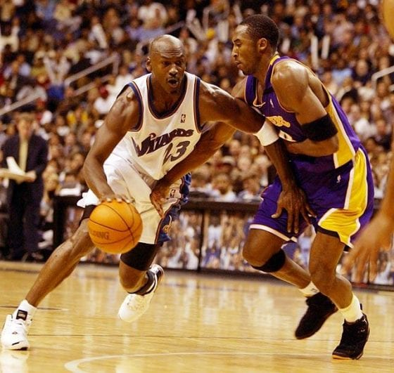 Michael Jordan against Kobe Bryant (Kobe wearing Lakers Jordan 7